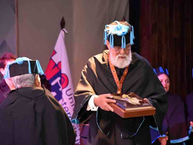 honoris causa andres fábregas